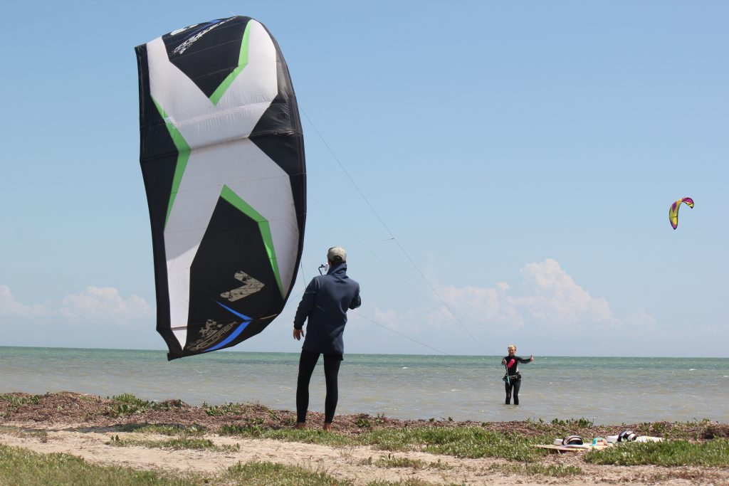Aeros Explorer 7м²